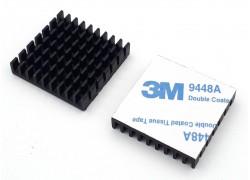 Аллюминиевый радиатор 28х28х6 мм с термоскотчем